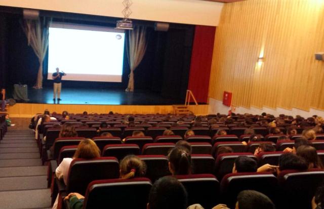 Conferencia en el Colegio Los Sauces